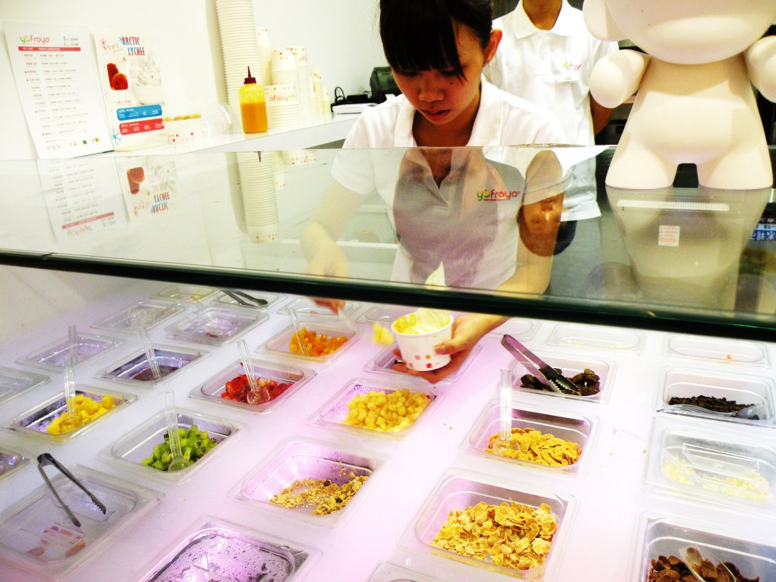YoFroyo Topping Bar