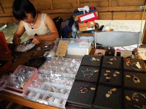 Crafter making jewlery